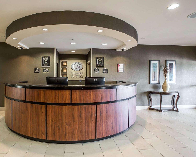 Lobby - Comfort Suites Whitsett