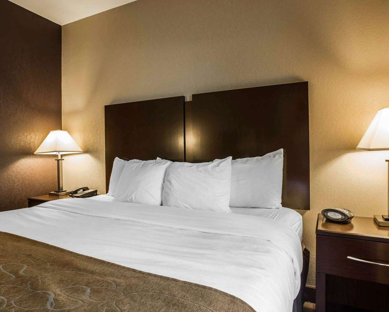 Room - Comfort Suites Whitsett