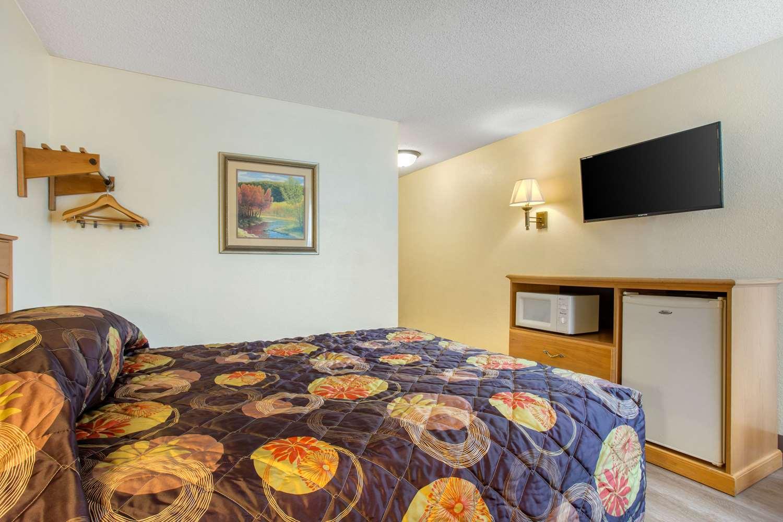Room 9 asheville