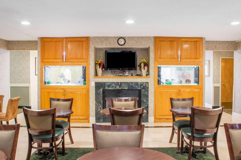 Restaurant - Quality Inn Raleigh