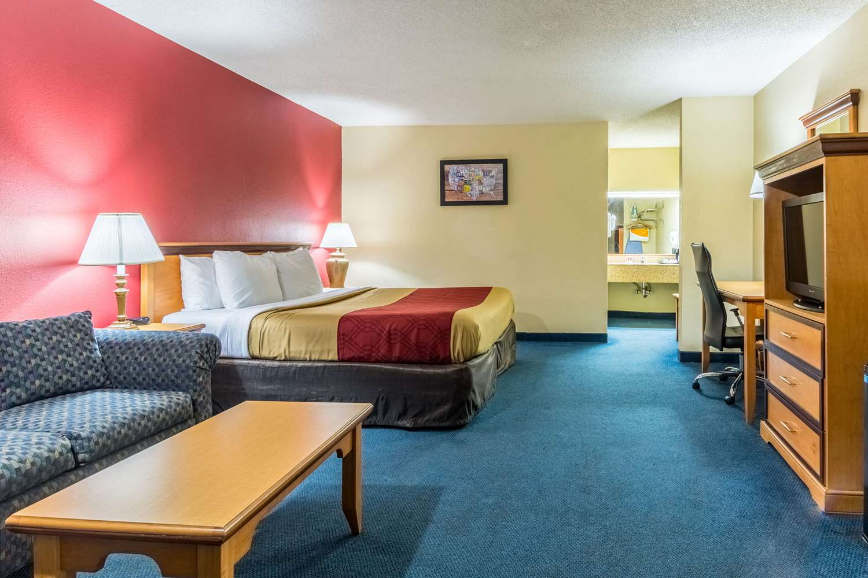 Suite - Econo Lodge Whiteville