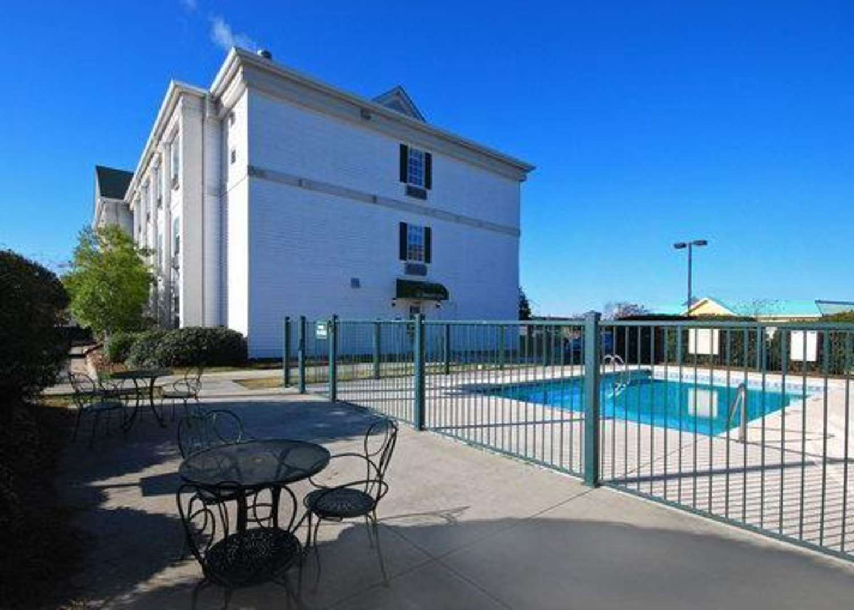 Quality inn goldsboro nc see discounts - Seymour johnson afb swimming pool ...