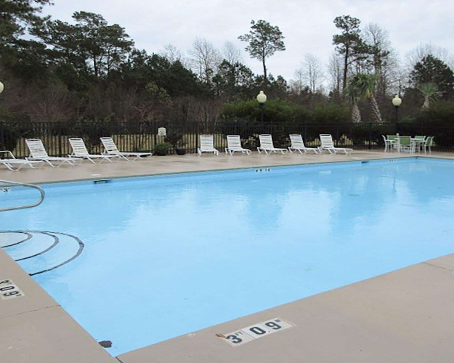 Pool - Quality Inn & Suites Sneads Ferry
