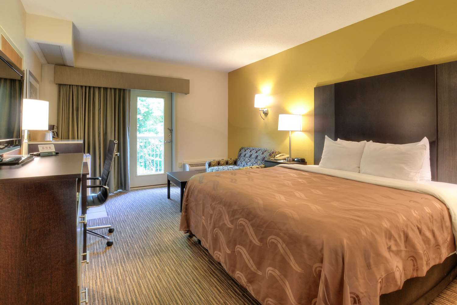 Room - Quality Inn Cherokee