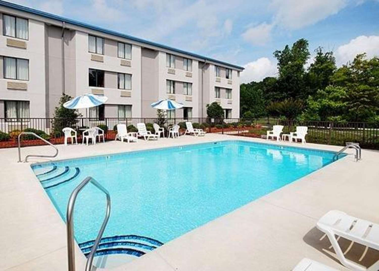 Pool - Sleep Inn Wilmington
