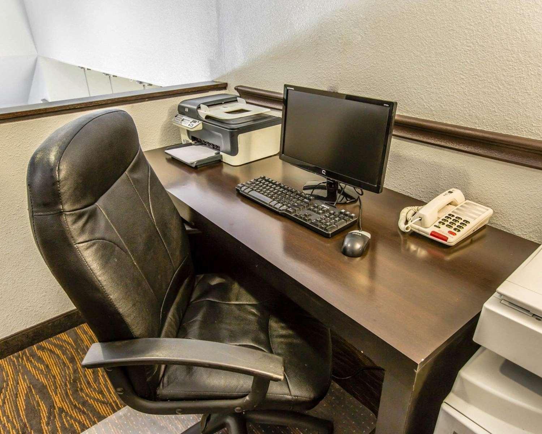 Conference Area - Sleep Inn Wilmington