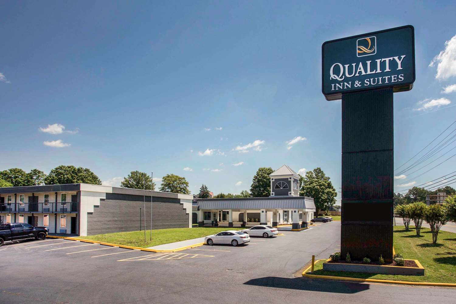 Exterior view - Quality Inn & Suites North Charlotte