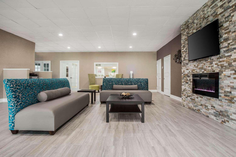Lobby - Quality Inn & Suites North Charlotte