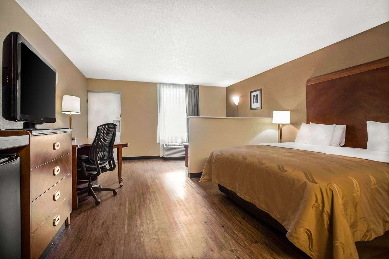 Suite - Quality Inn & Suites North Charlotte