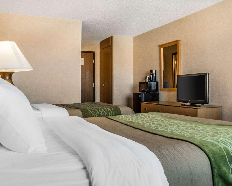 Room - Comfort Inn Jamestown