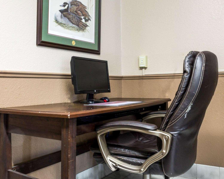 Conference Area - Rodeway Inn Fargo