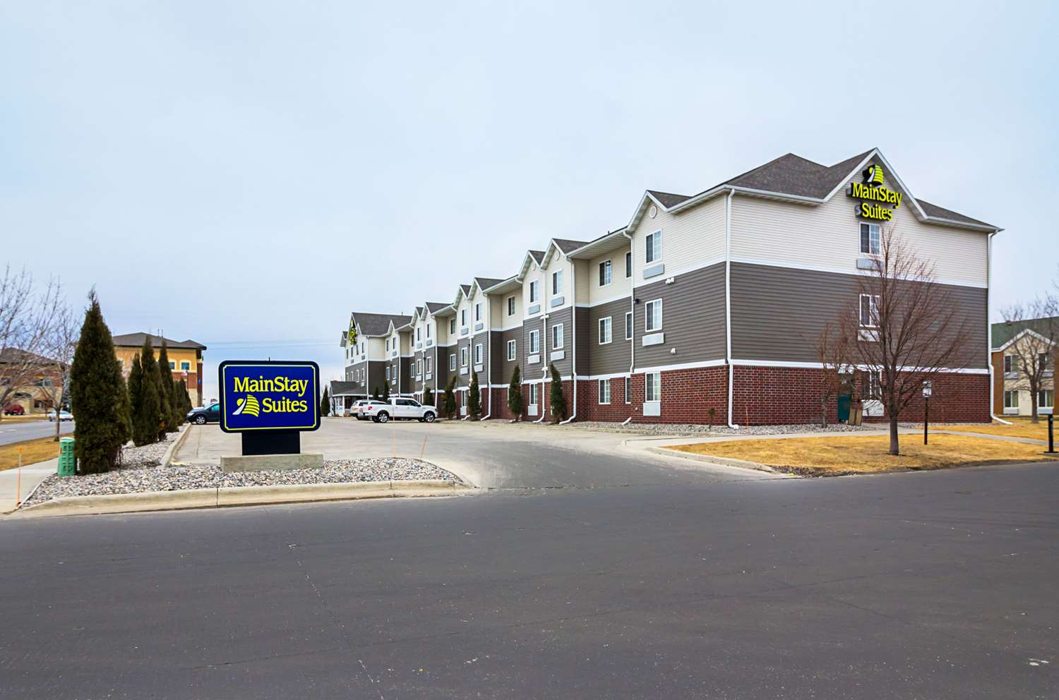 Exterior view - MainStay Suites Fargo