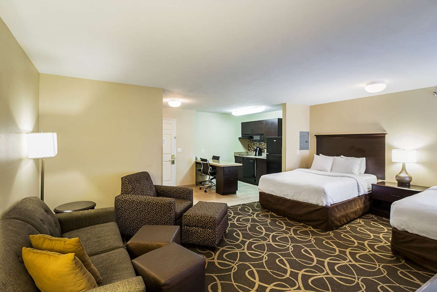 Suite - MainStay Suites Fargo