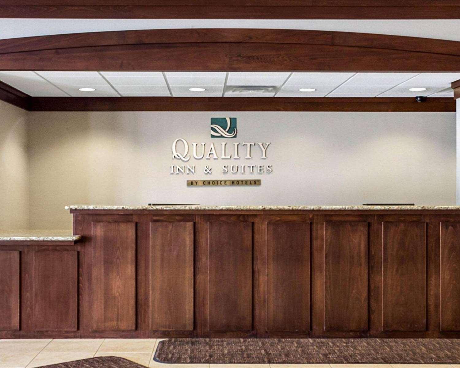 Lobby - Quality Inn & Suites Jamestown