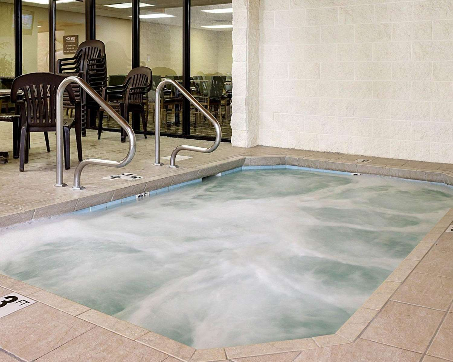 Pool - MainStay Suites Bismarck