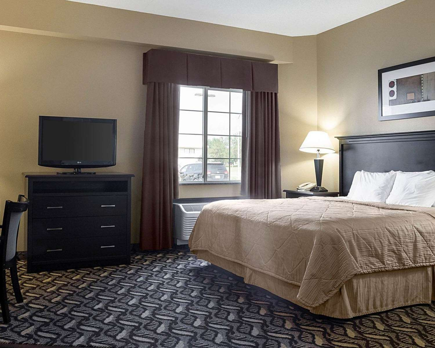 Room - MainStay Suites Bismarck