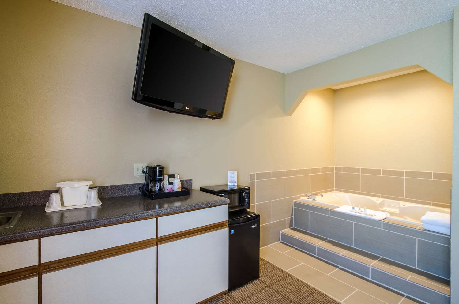 Suite - Comfort Inn Lexington