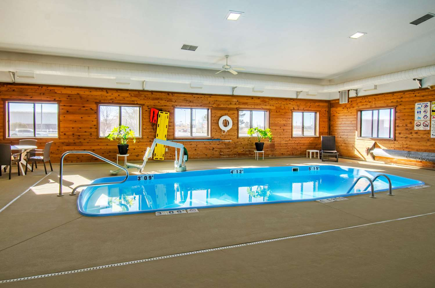 Pool - Comfort Inn Lexington