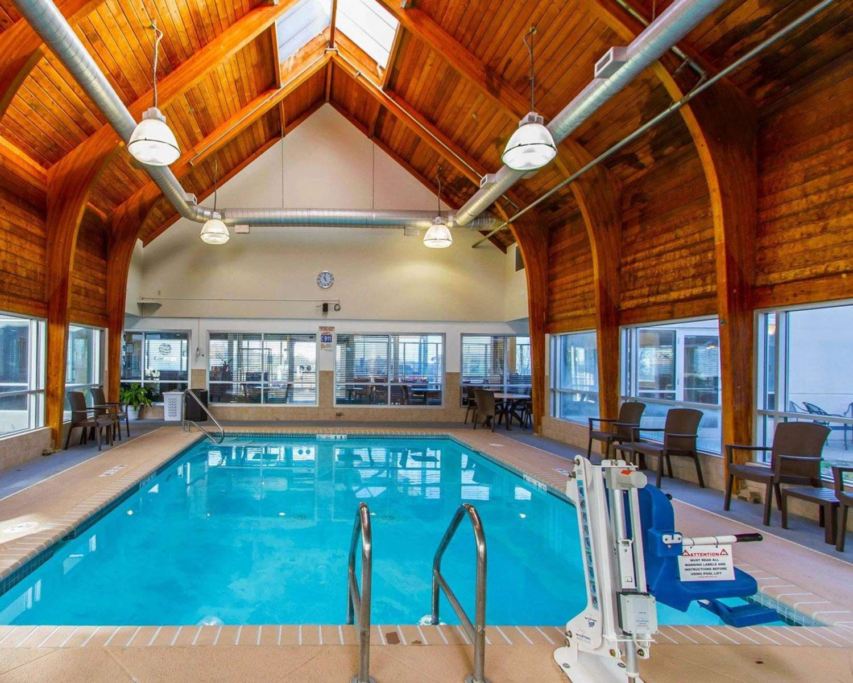 Pool - Comfort Inn at the Zoo Omaha