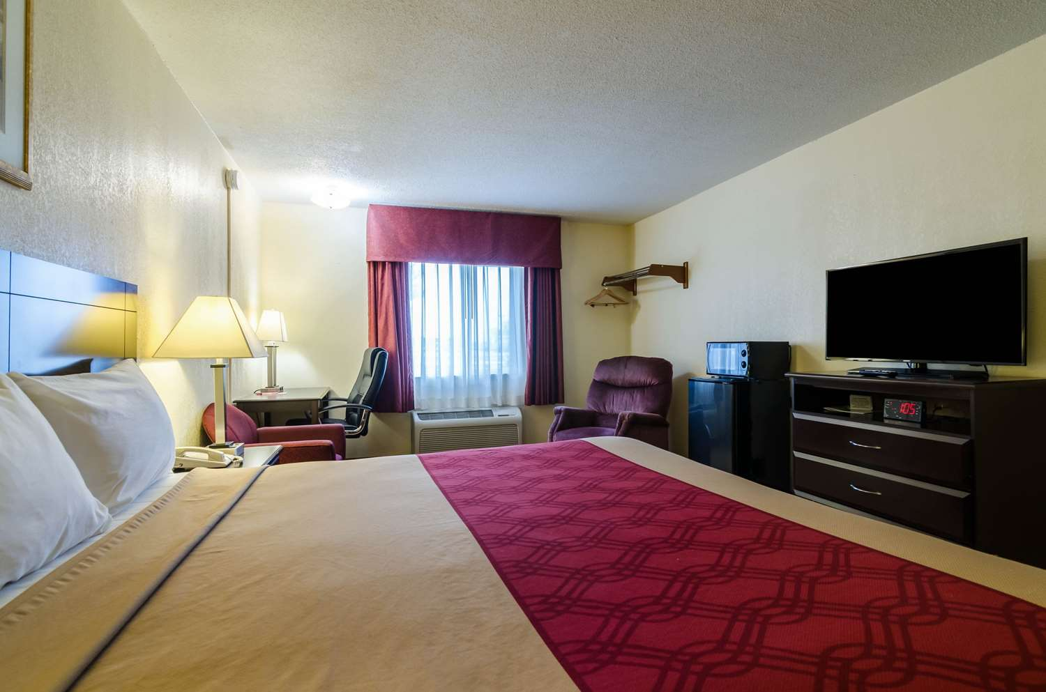 Room - Econo Lodge Lexington