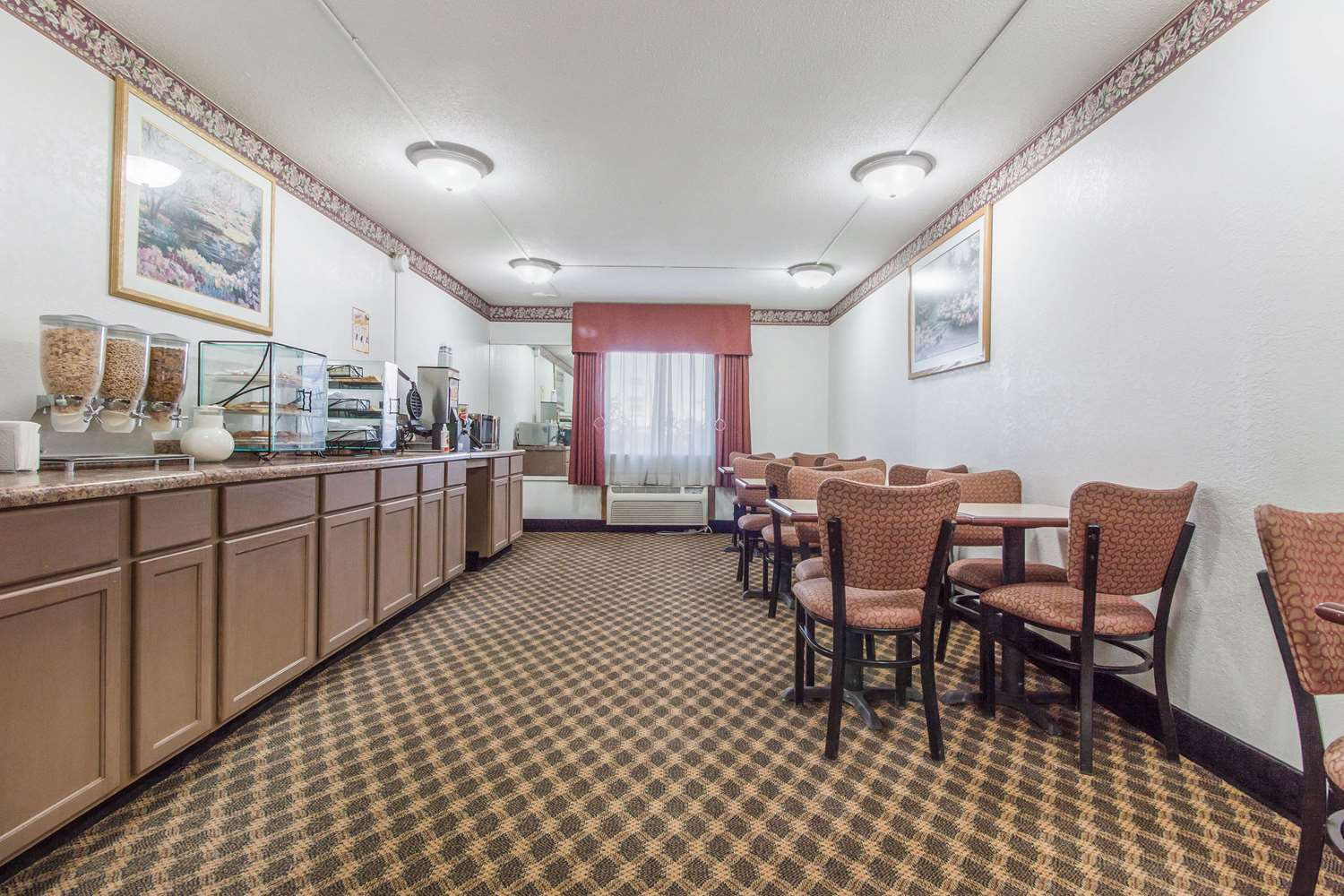 Restaurant - Econo Lodge Lexington