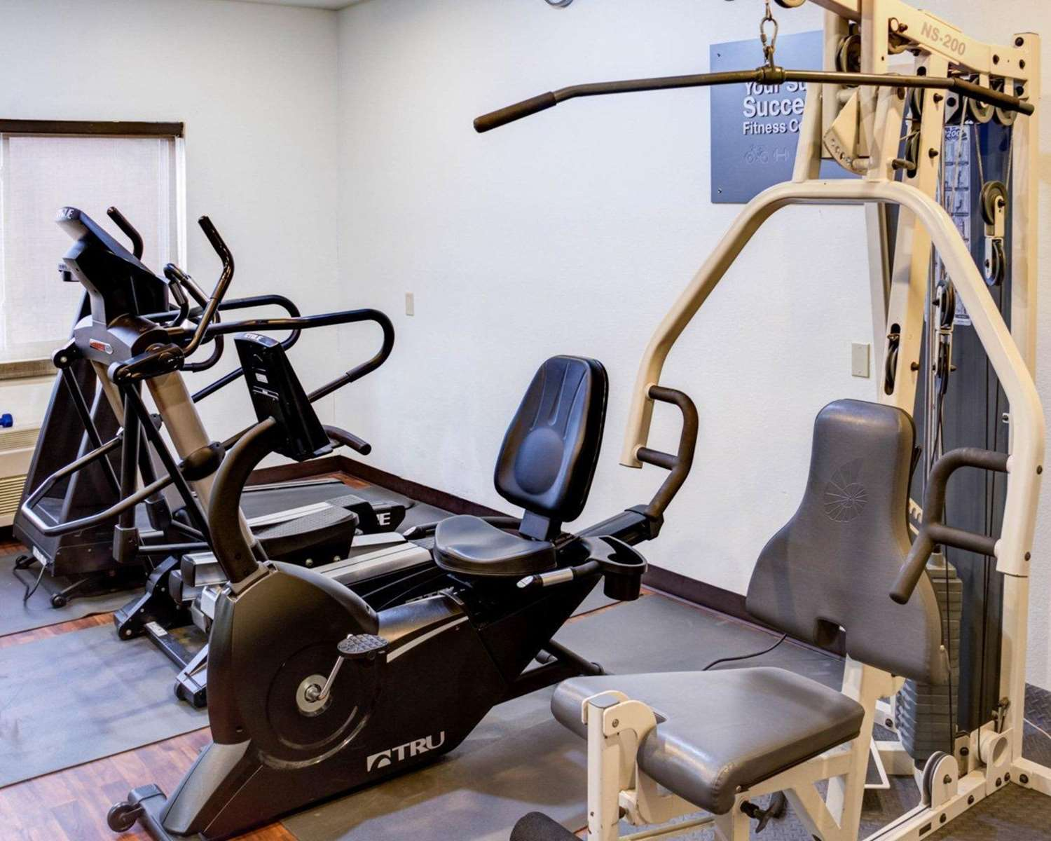 Fitness/ Exercise Room - Comfort Suites Omaha