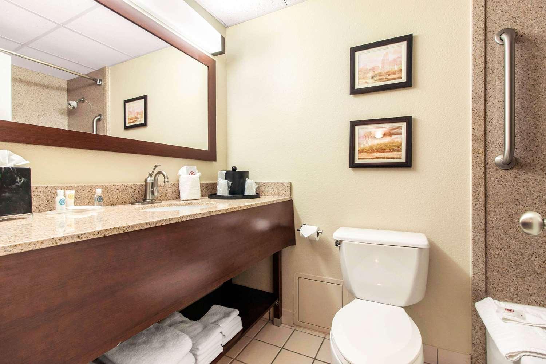 Room - Comfort Inn & Suites Omaha