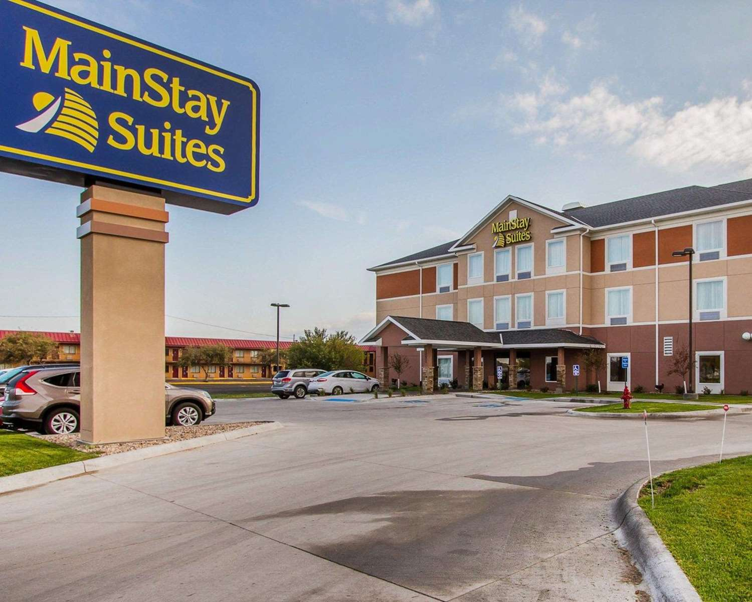 Exterior view - MainStay Suites Grand Island