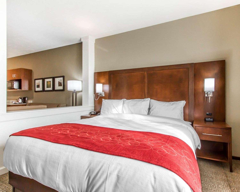 Suite - Comfort Suites West Omaha