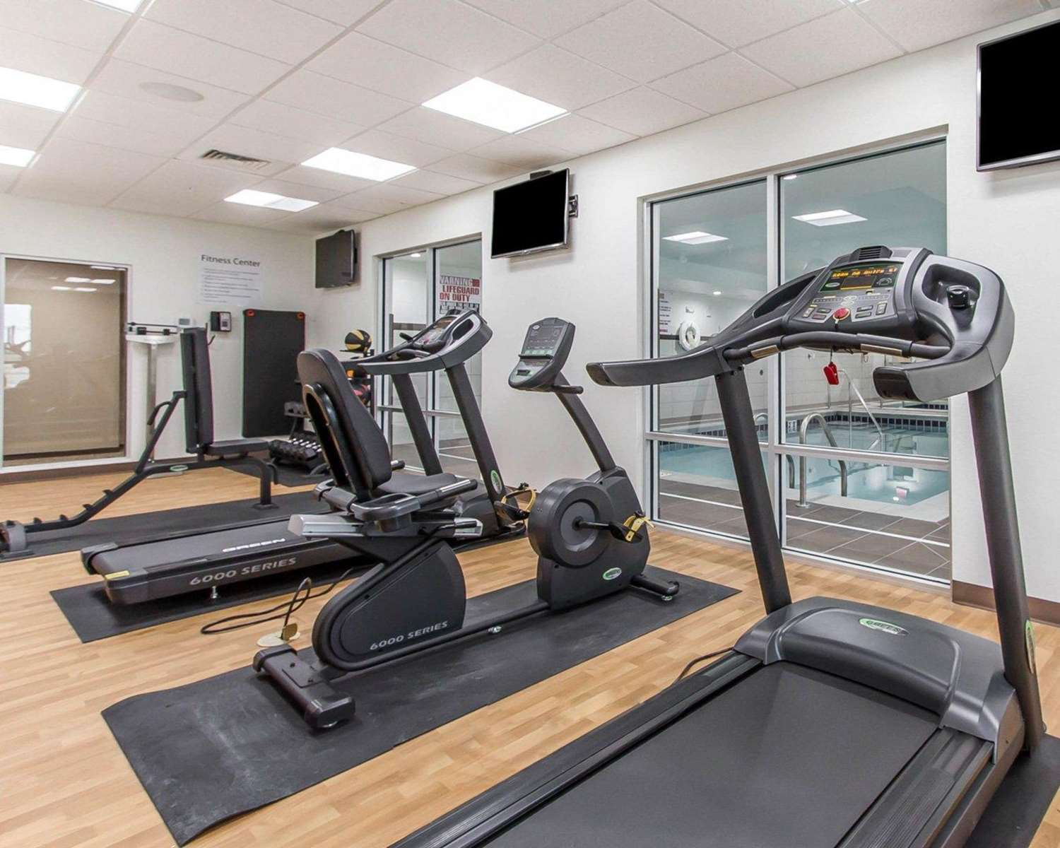Fitness/ Exercise Room - Comfort Suites West Omaha
