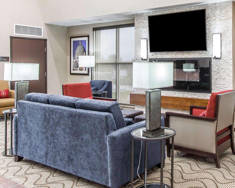 Lobby - Comfort Suites West Omaha