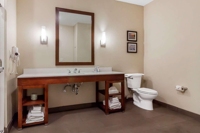 Room - Comfort Suites La Vista