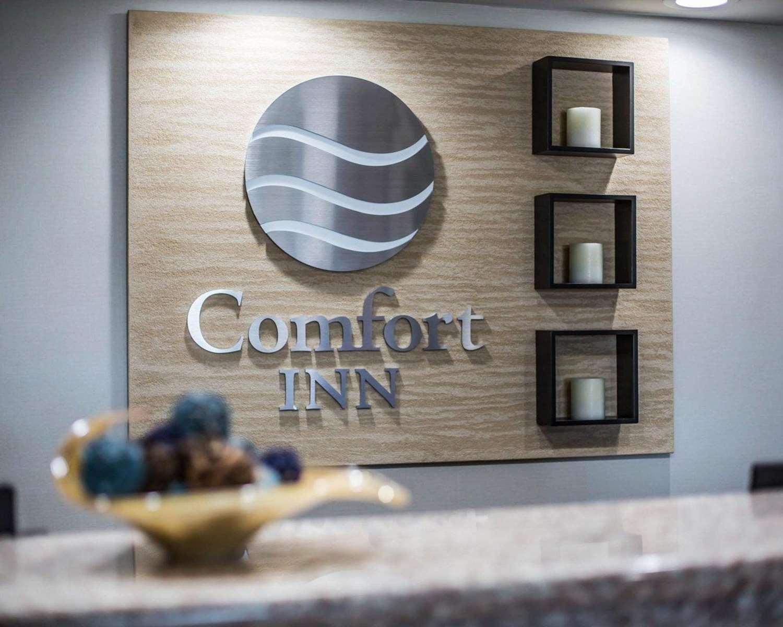Lobby - Comfort Inn Manchester