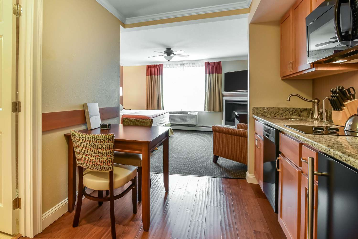 Suite - South Mountain Hotel by InnSeason Resorts Lincoln