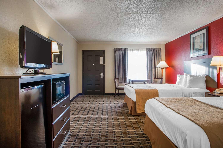 Room - Quality Inn & Suites Millville