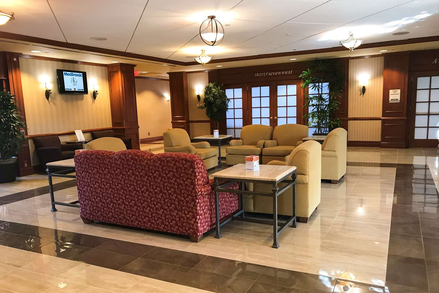 Lobby - Clarion Hotel & Conference Center Toms River