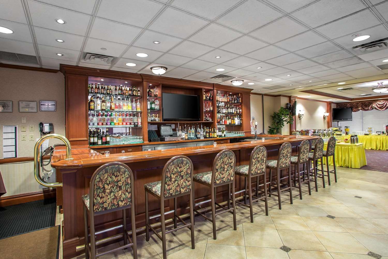 Restaurant - Clarion Hotel & Conference Center Toms River