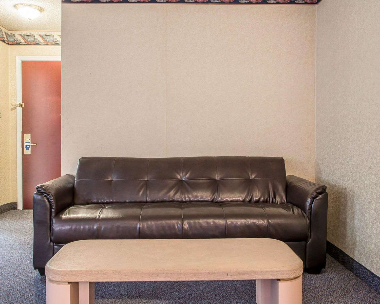 Suite - Rodeway Inn & Suites Buena