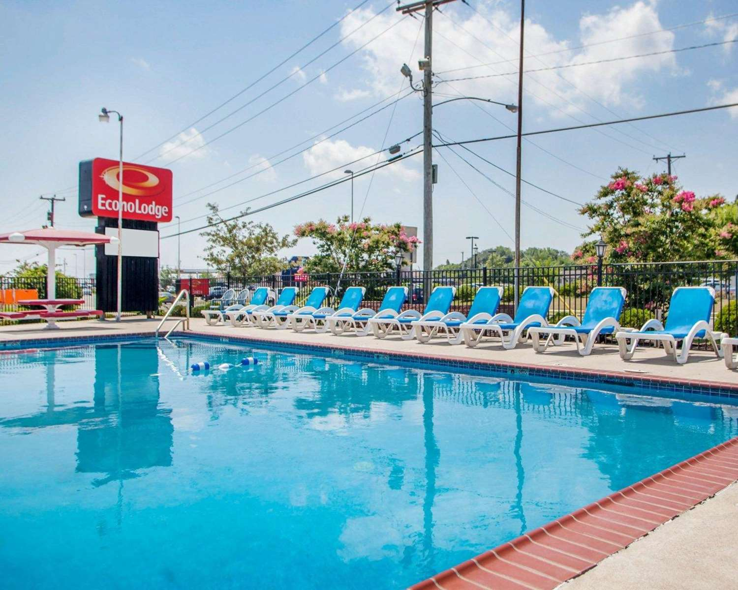 Pool - Econo Lodge Somers Point