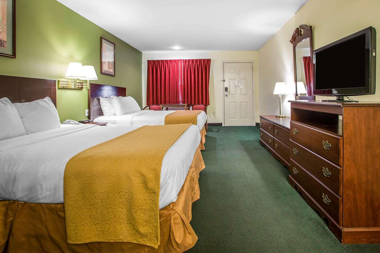 Room - Quality Inn Pleasantville