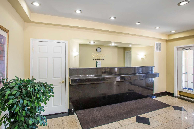 Lobby - Quality Inn Pleasantville