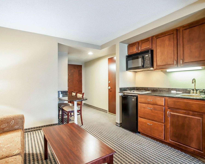 Suite - Comfort Inn & Suites Carneys Point