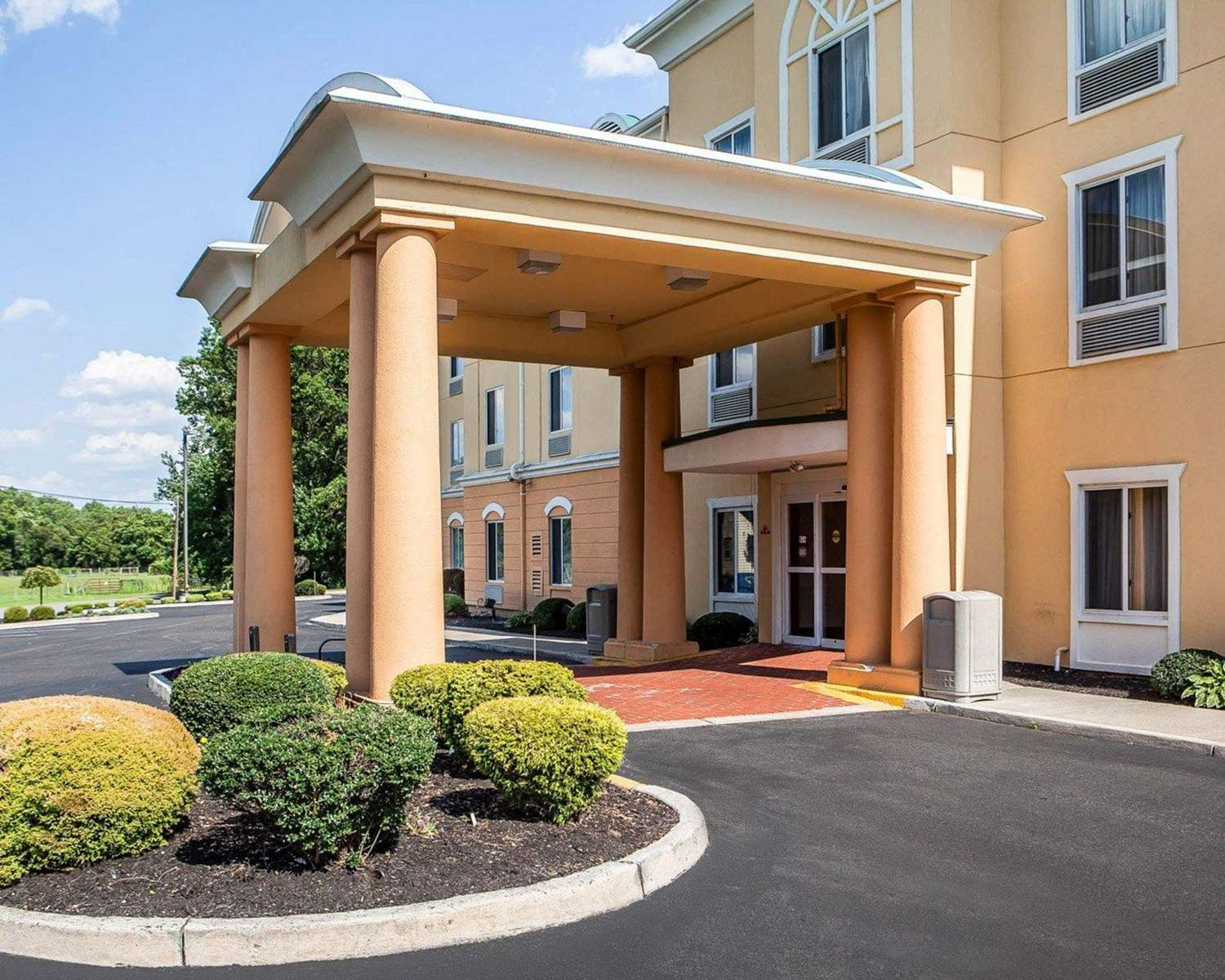Exterior view - Comfort Inn & Suites Carneys Point