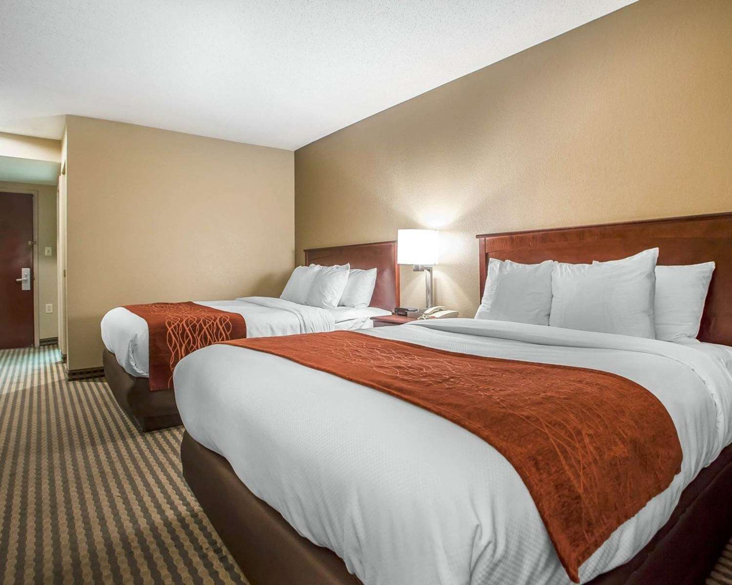 Room - Comfort Inn & Suites Carneys Point