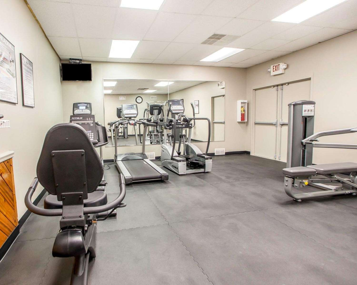 Fitness/ Exercise Room - Quality Inn Cookstown