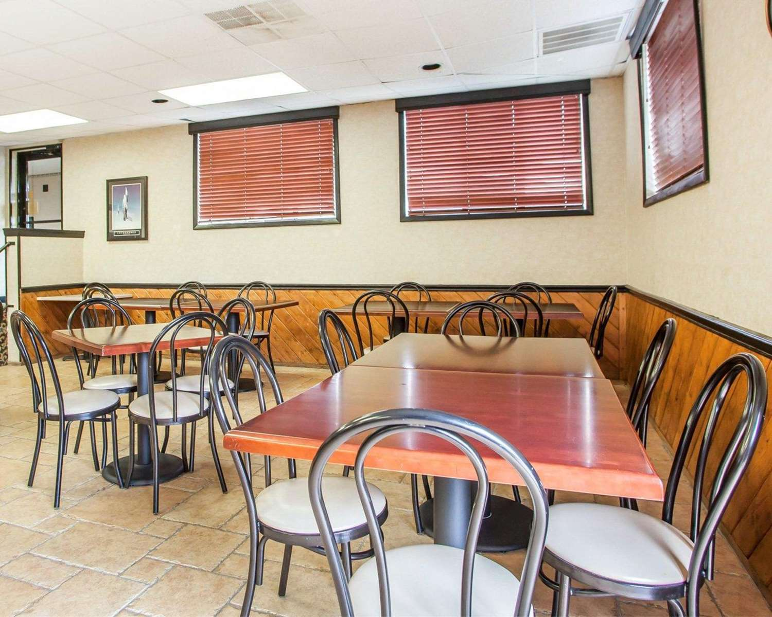 Restaurant - Quality Inn Cookstown
