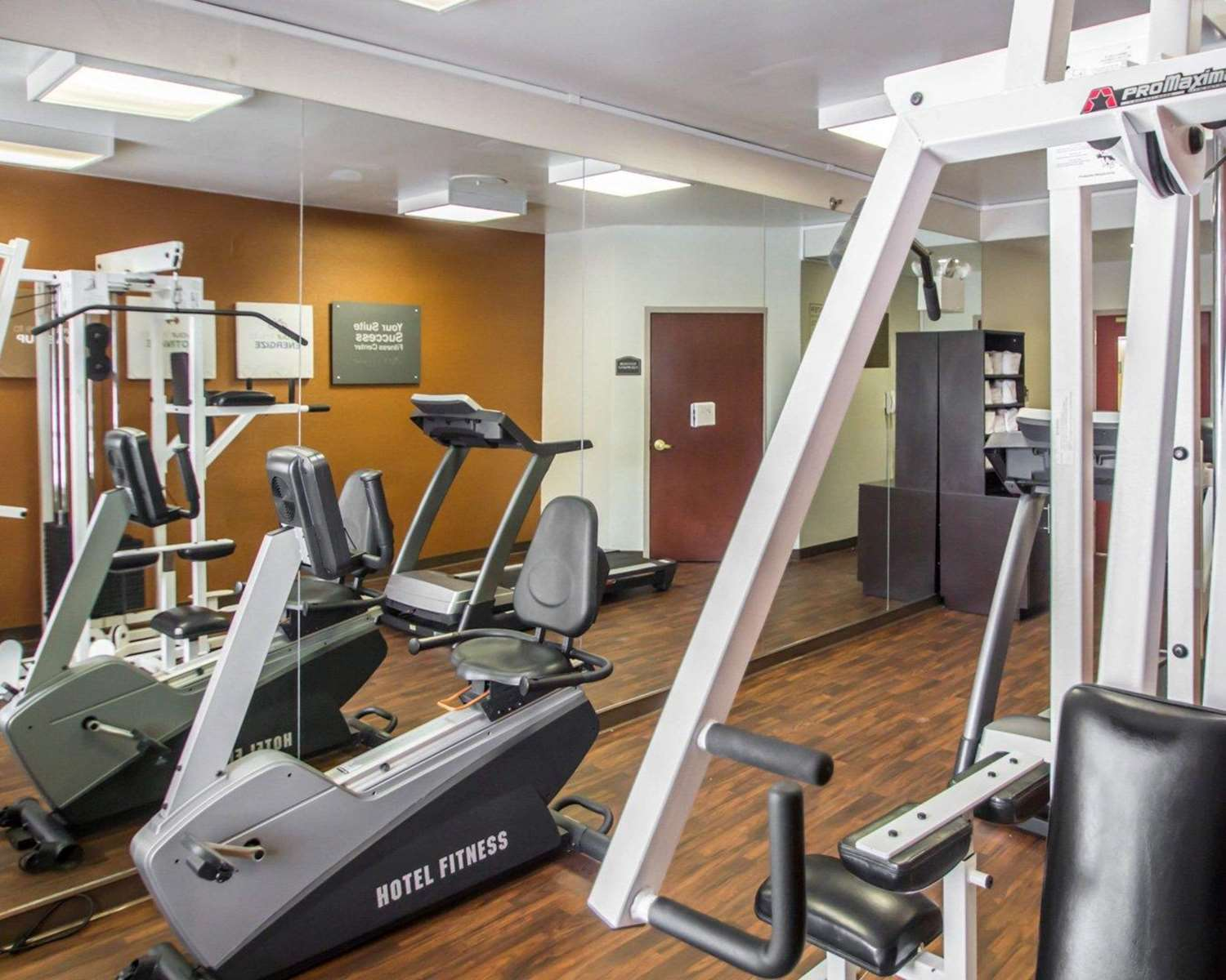 Fitness/ Exercise Room - Quality Suites North Bergen
