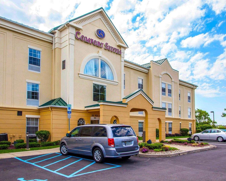 Exterior view - Comfort Suites East Brunswick