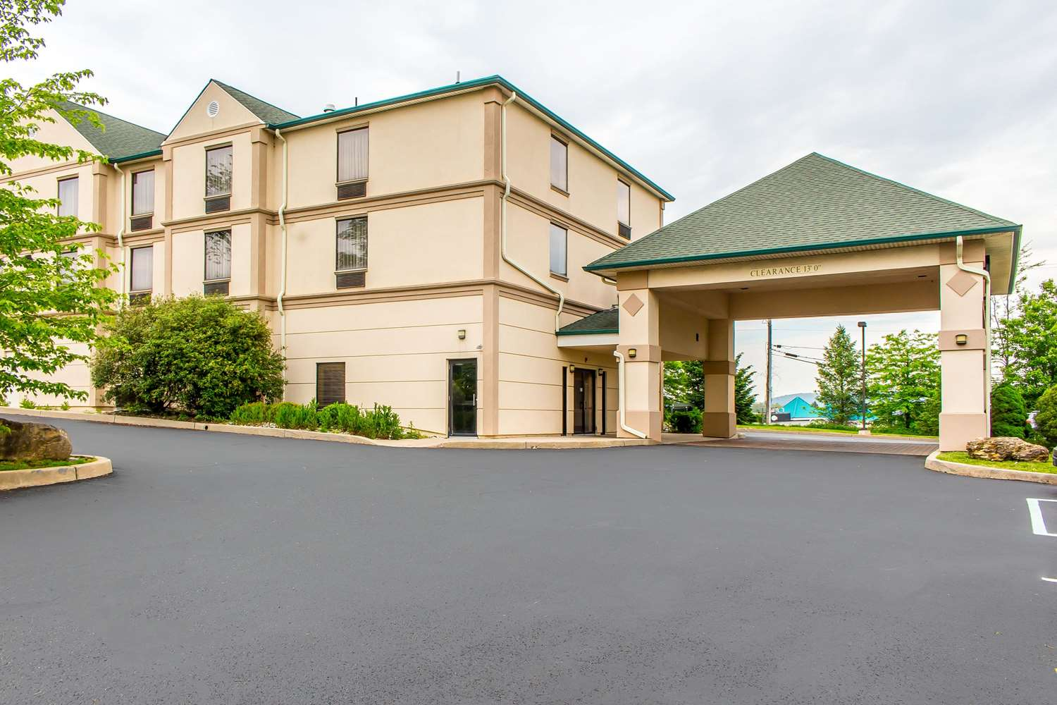 Exterior view - Quality Inn Hackettstown