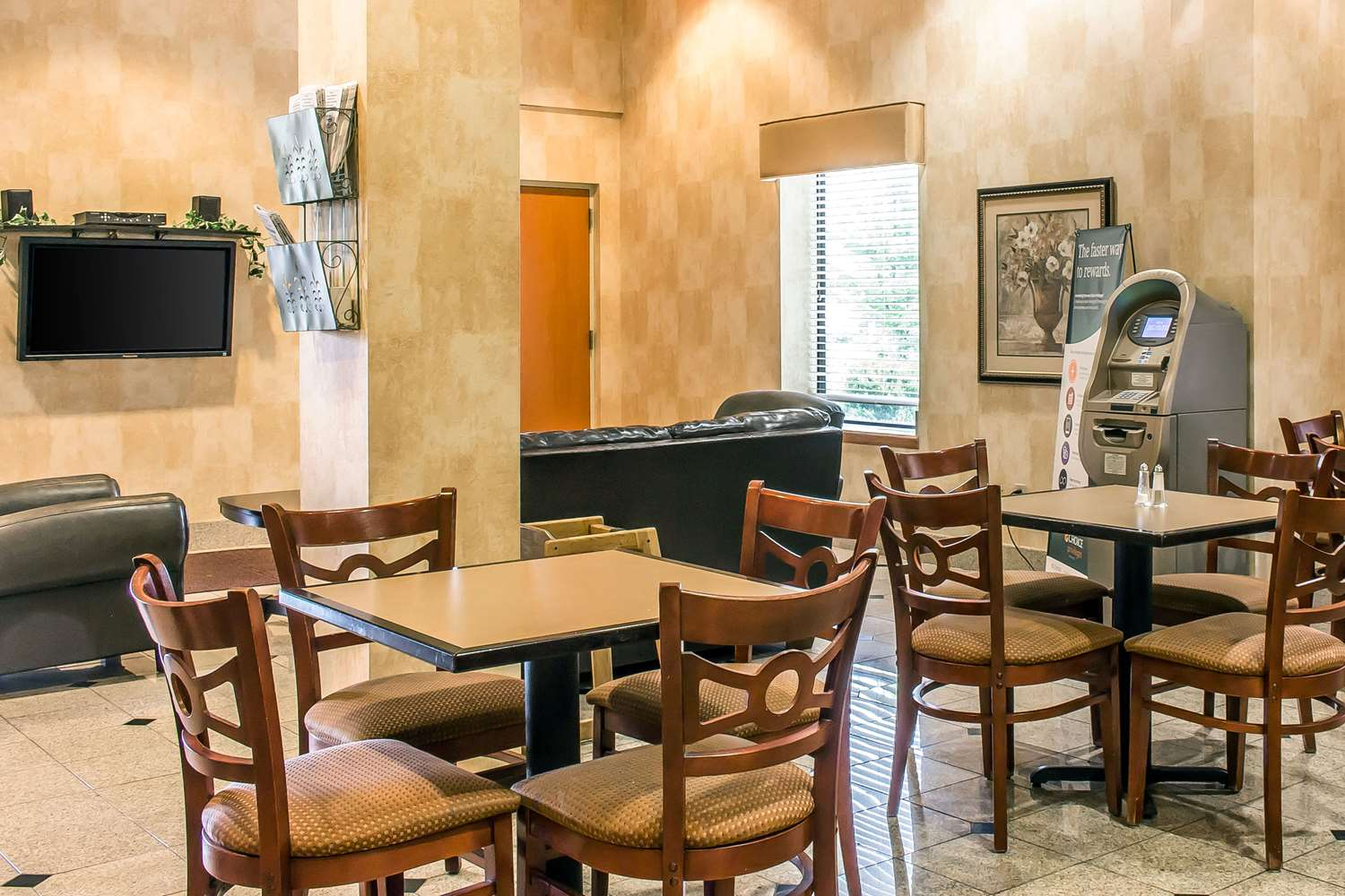 Restaurant - Quality Inn Hackettstown